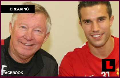 Robin van Persie, Manchester United Announce Deal
