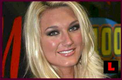 Brooke Hogan Pole Dancing VIDEO