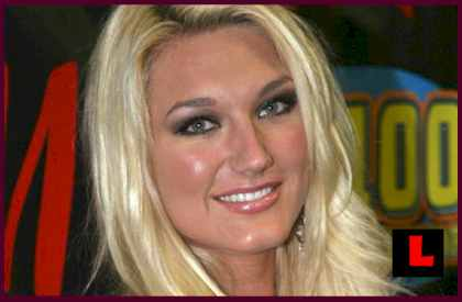 brooke hogan shower