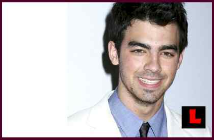 Joe Jonas Spotted Without Purity Ring but with Ashley Greene