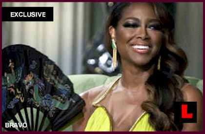 Kenya Moore Asserts Others Fibbed in Reunion: EXCLUSIVE boyfriend who is apollo text messages 1st black miss usa