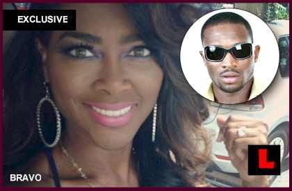 d'banj dating kenya moore Stevns