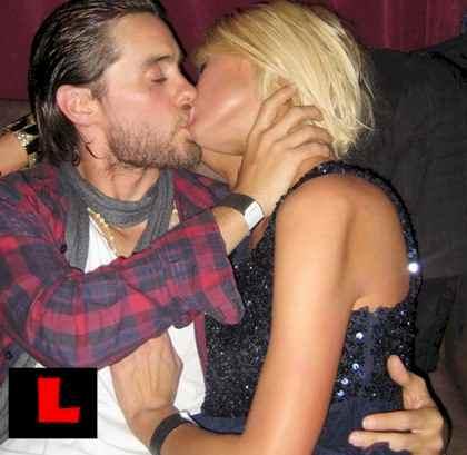 Elisha Cuthbert Lesbian Kiss 14